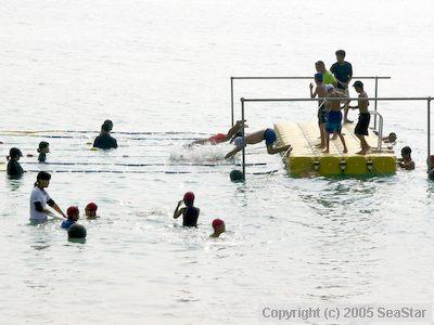 ターン台で水泳教室