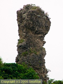 ガラサー山の石柱